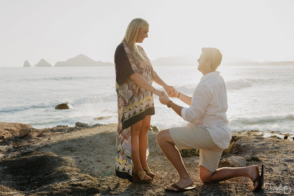 Wedding photographer - Surprise Proposal Beach